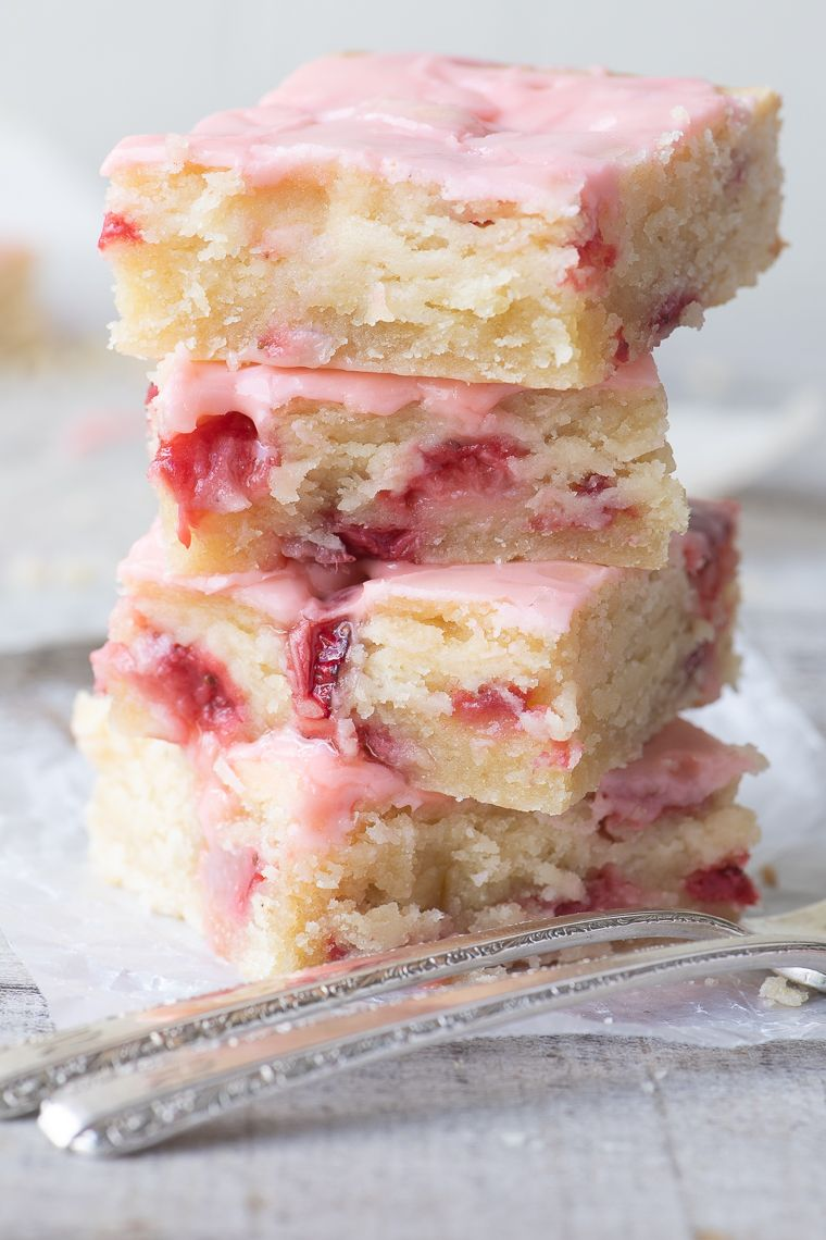 Strawberry Lemon Blondies ~ this easy strawberry dessert is moist and dense, (like soft shortbread) with lots of fresh strawberries and tangy lemon. #recipe #easy #strawberry #bars #cake #dessert, #blondies #lemonbars #easter #mothersday #strawberries #glazed #easyrecipes