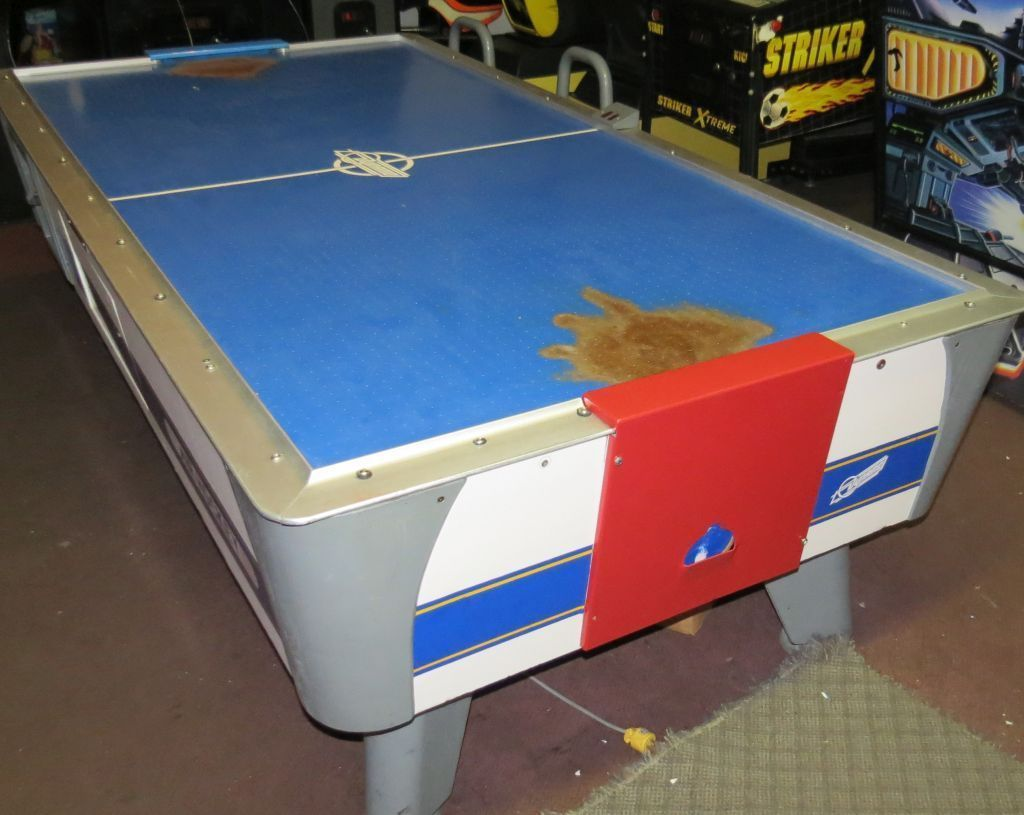 Vintage table hockey - Dynamo Coin Operated Air Hockey Table Solid Works Available