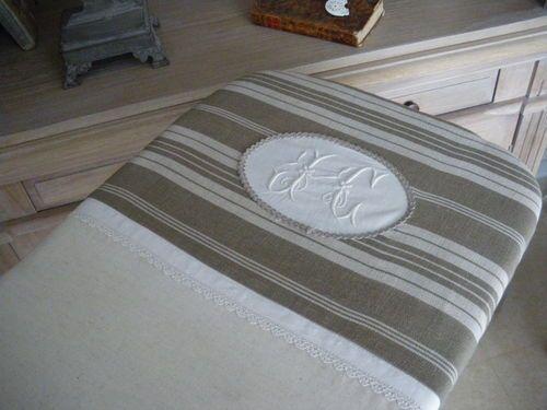 housse de table repasser buanderie pinte. Black Bedroom Furniture Sets. Home Design Ideas