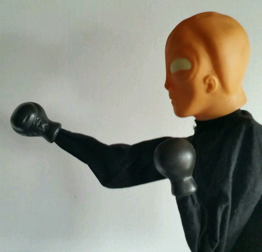 Alien Punching Boxing Puppet Toy Black Robe Gloves Glow In The