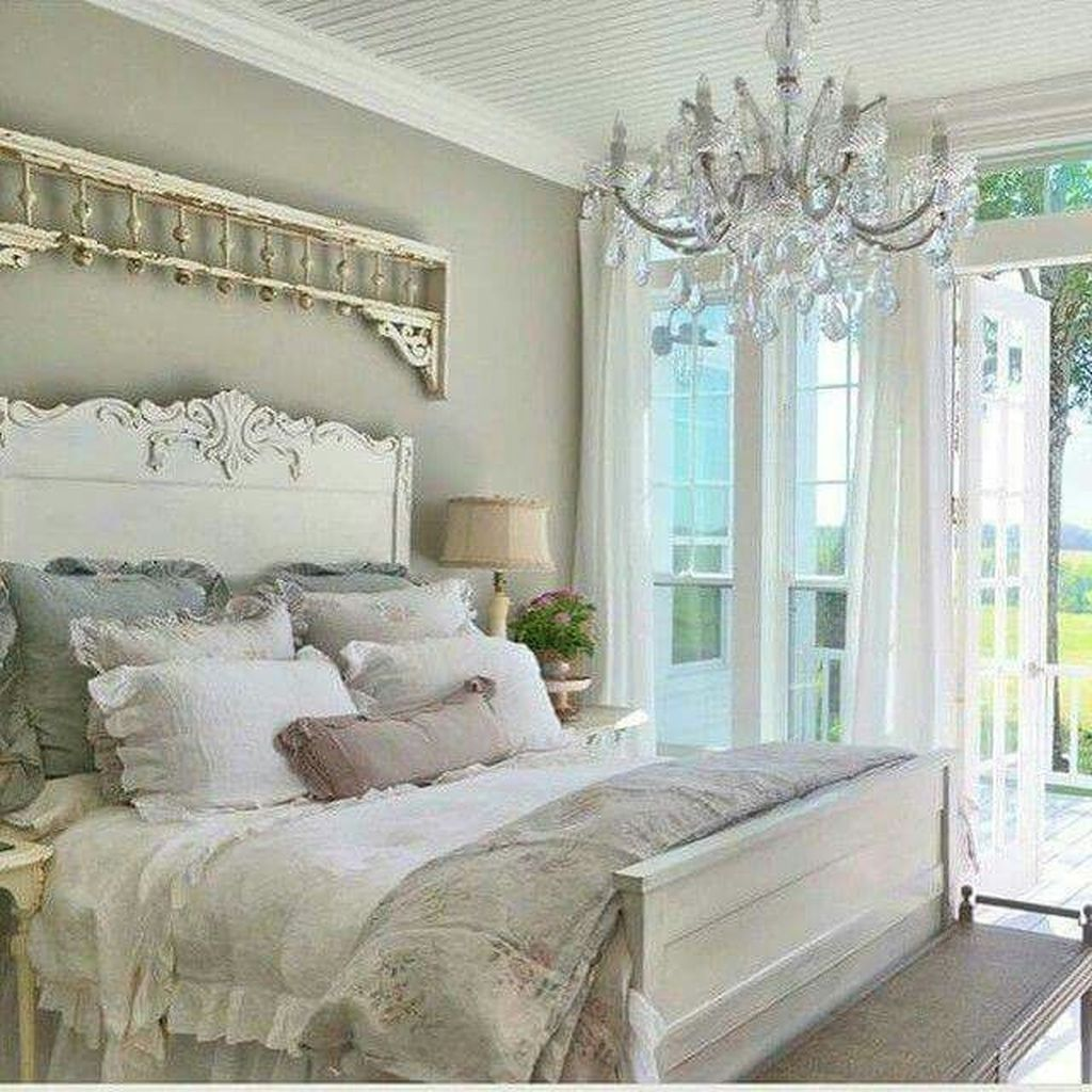 In The Era Of Sleek Modern Design Rustic Style Is Still Favored For Its Old School Ch Country Bedroom Decor French Country Decorating Bedroom Country Bedroom