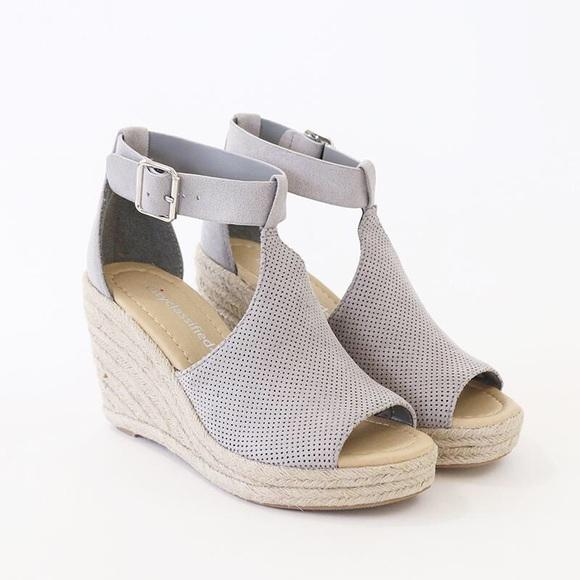 3dbdad3d7fbe Cashier Perforated Wedge Sandal-Light Grey