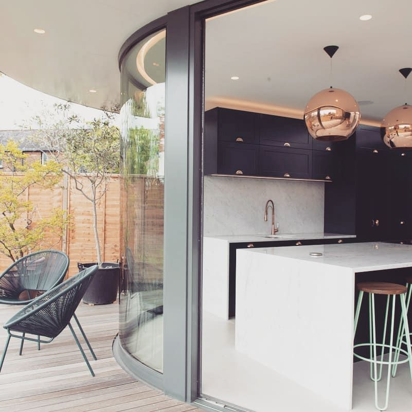 "ar'chic david hingamp (@archic_architects) posted on Instagram: ""Curved glass extension adapting its shape to suit a triangular  garden. LONDON SE23. #curvedglass #houseextension #marblekitchen…"" • Jun 23, 2020 at 8:28am UTC"
