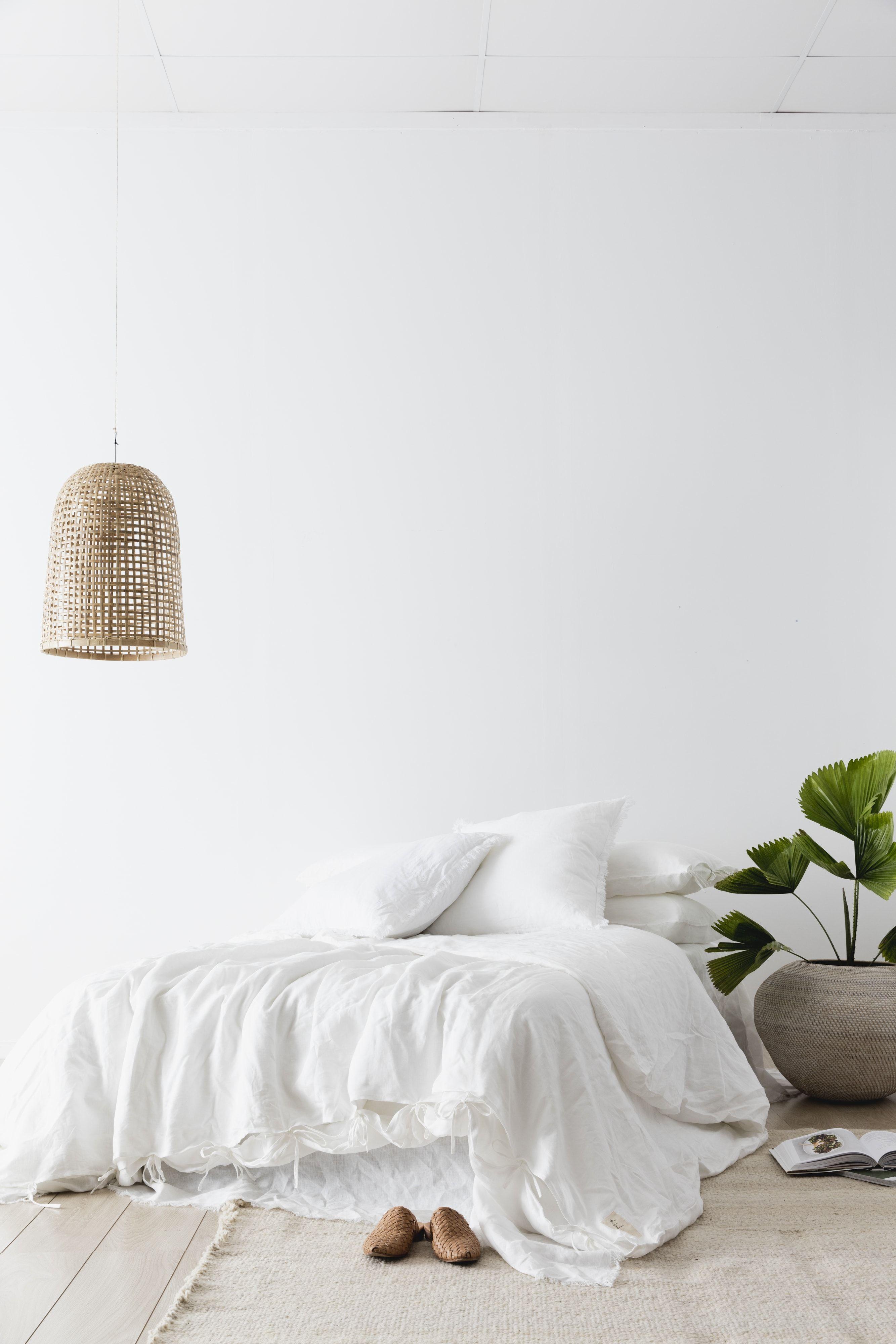 White linen duvet set to light up any room. | Room | Bedroom, Home ...