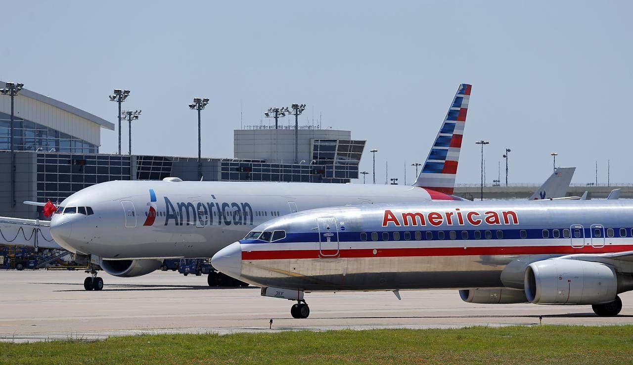 American Airlines halfway done repainting old fleet in new