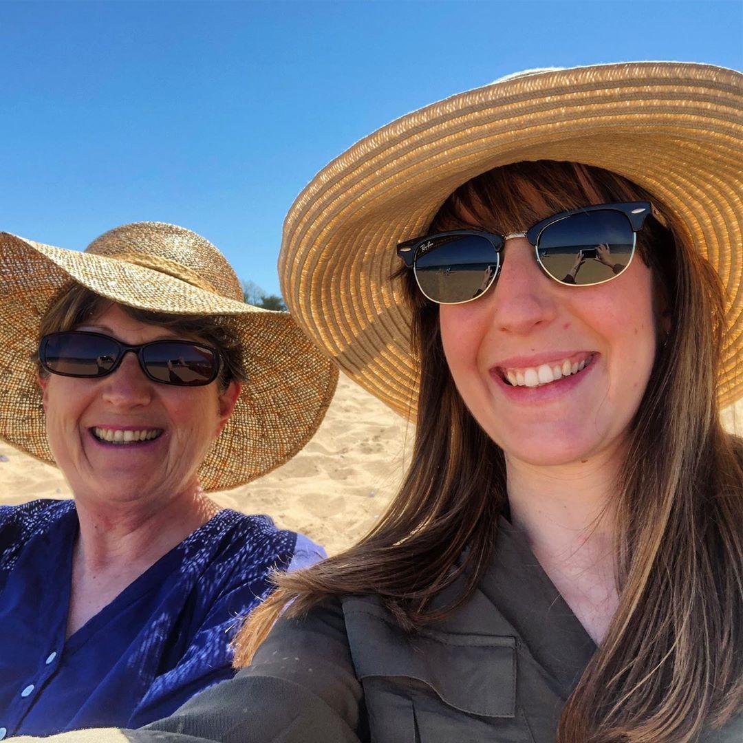 👒La team chapeaux de paille 👒  chapeau  selfie  merefille  chapeaudepaille  plage  enjoy  goodtime  nerienfaire  summer  may  oleron  charentemaritime  octavelephotographe