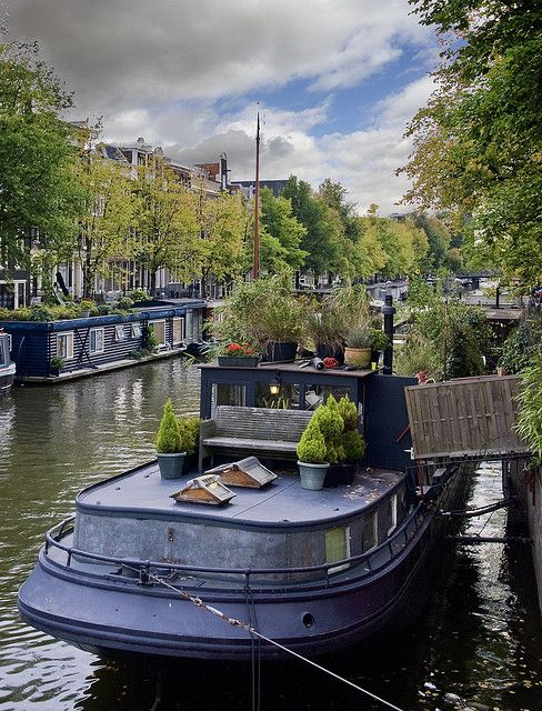 home boat on the canals house boats dutch barge houseboat rh pinterest com