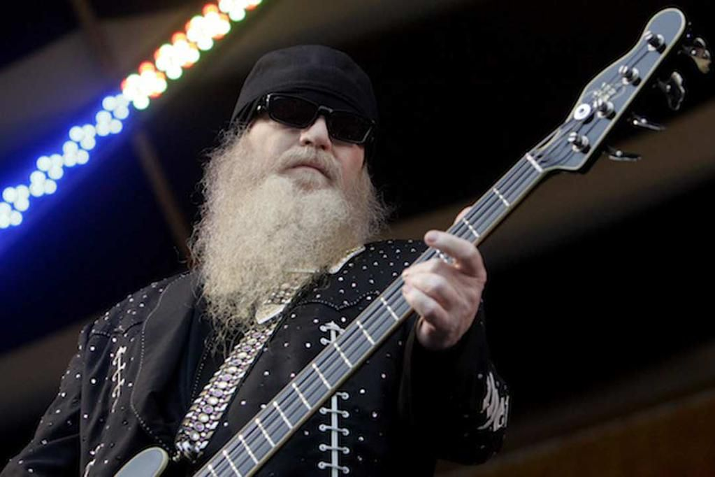 happy birthday to zztop s dusty hill here are 10 great songs by the man http ultimateclassicrock com dusty hill zz top songs