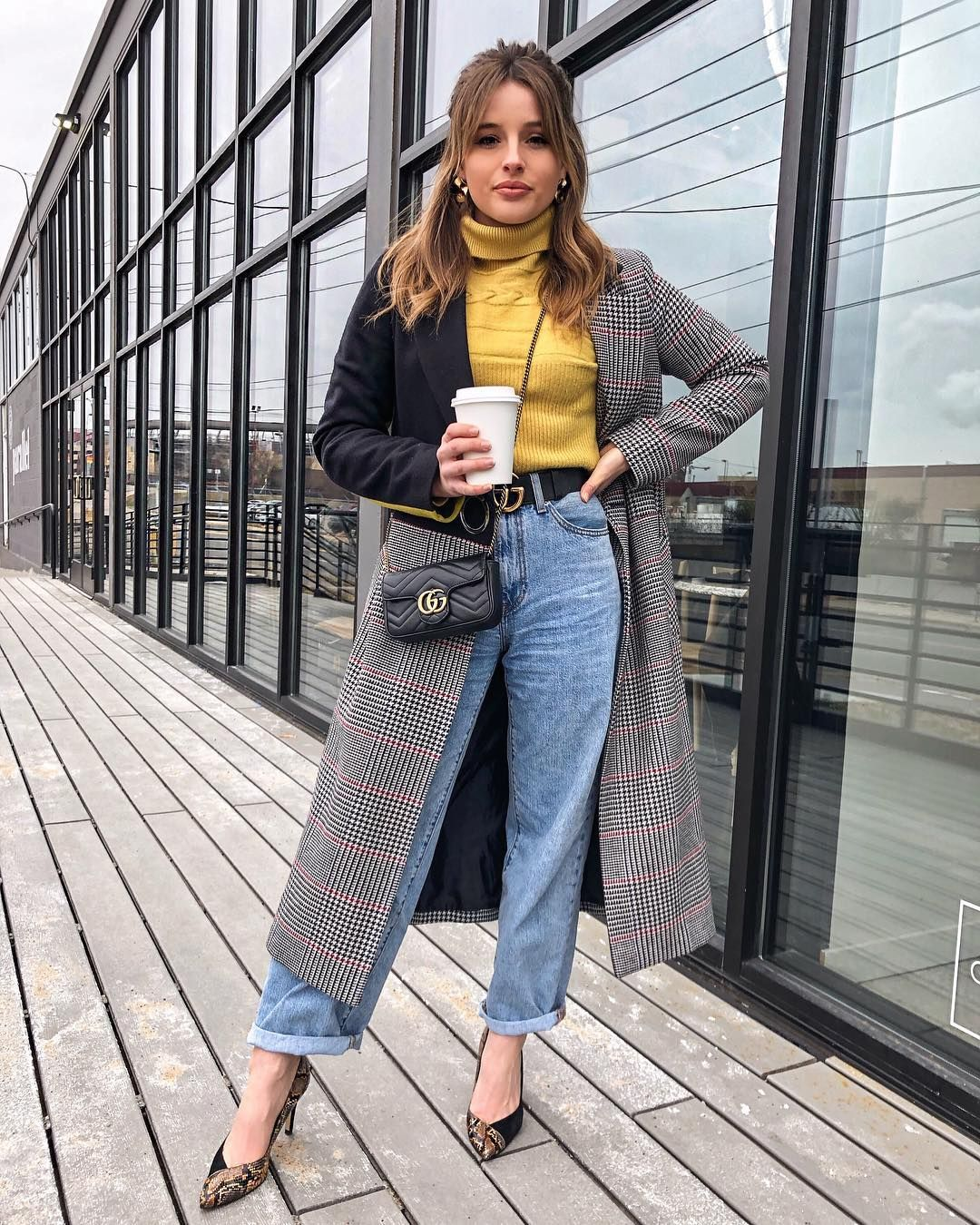 Taylor Hage On Instagram Another Day Another Yellow Sweater Perfect Outfit For A Date Night Jason Took Me To My Favorite Movie The Grinch
