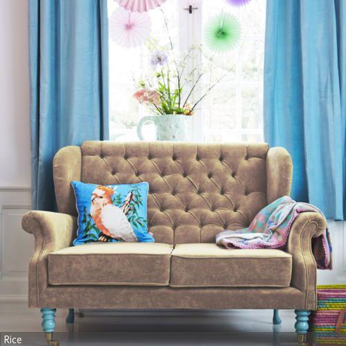 Bunte Papierblumen Uber Samt Sofa Colorful Interiors Pinterest