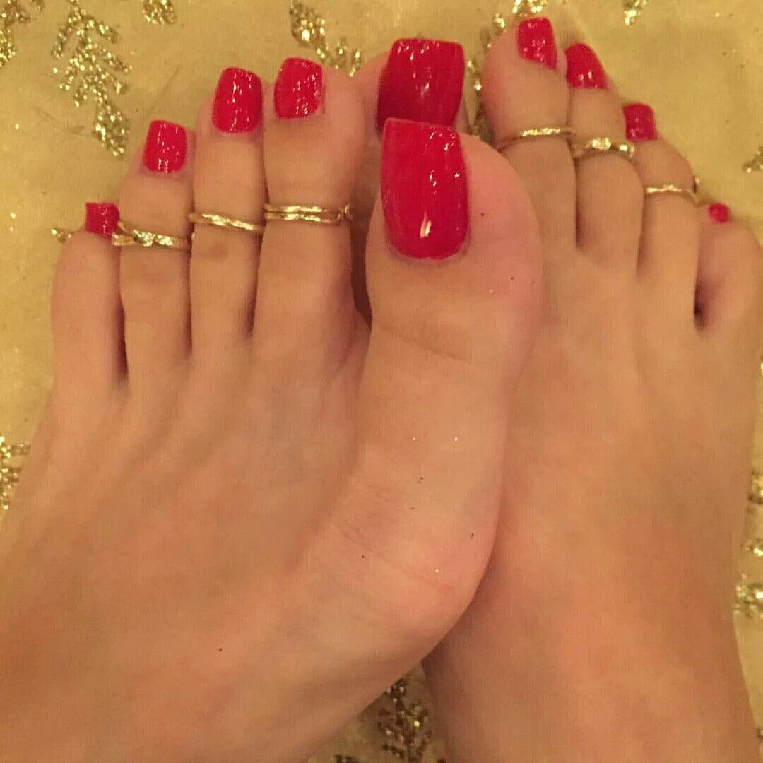 Pin by girland julies on miliani pinterest sexy feet toe red pedicure toe nail art painted toes candy red long toes sexy toes female feet toe rings infatuation prinsesfo Image collections