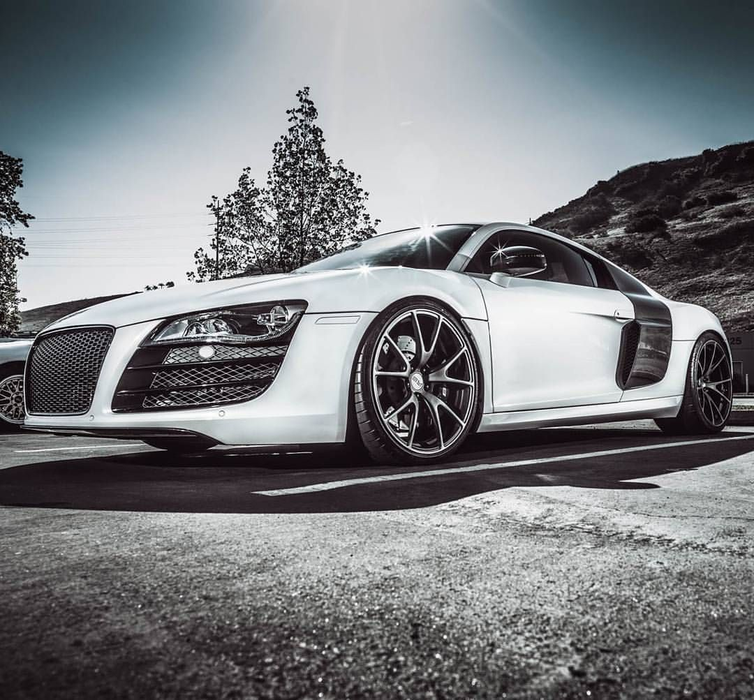 """Joseph Merkens on Instagram: """"More from hgmotorsports to come. Here's the gmgracing audi r8. I miss the carbon fiber rims. @hgmotorsports @gmgracing @audi @70milesaturday. #ItsWhiteNoise #hgmotorsports #gmgracing #70milesaturday #Audi  #SpittingPixels"""""""