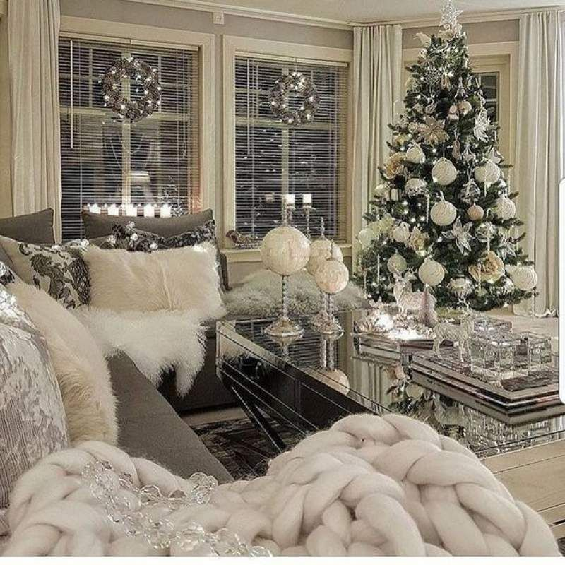 White Christmas Decor Ideas For Soft Warm And Fresh Vibes In Your Christmas Decorated Room White Christmas Decor Christmas Room Christmas Living Rooms Living room christmas decor ideas