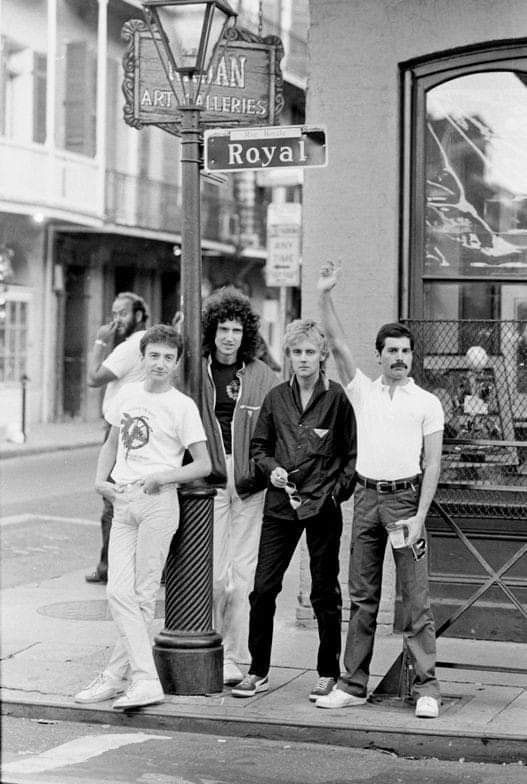 Aaah they all look so good here #freddiemercury