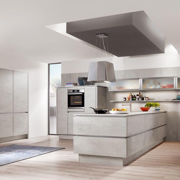 Offene Küche mit Oberflächen in Beton Wohnung 2019 - küche mit side by side kühlschrank