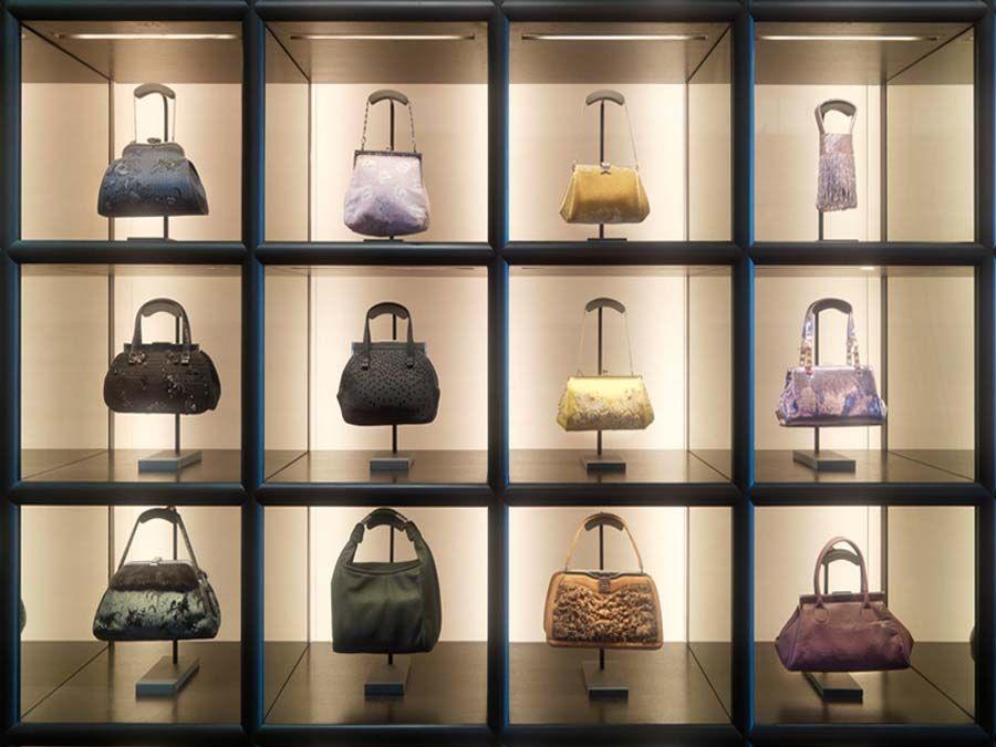 Shiatzy chen fashion store layan design group pty ltd for Decor 18 international pty ltd