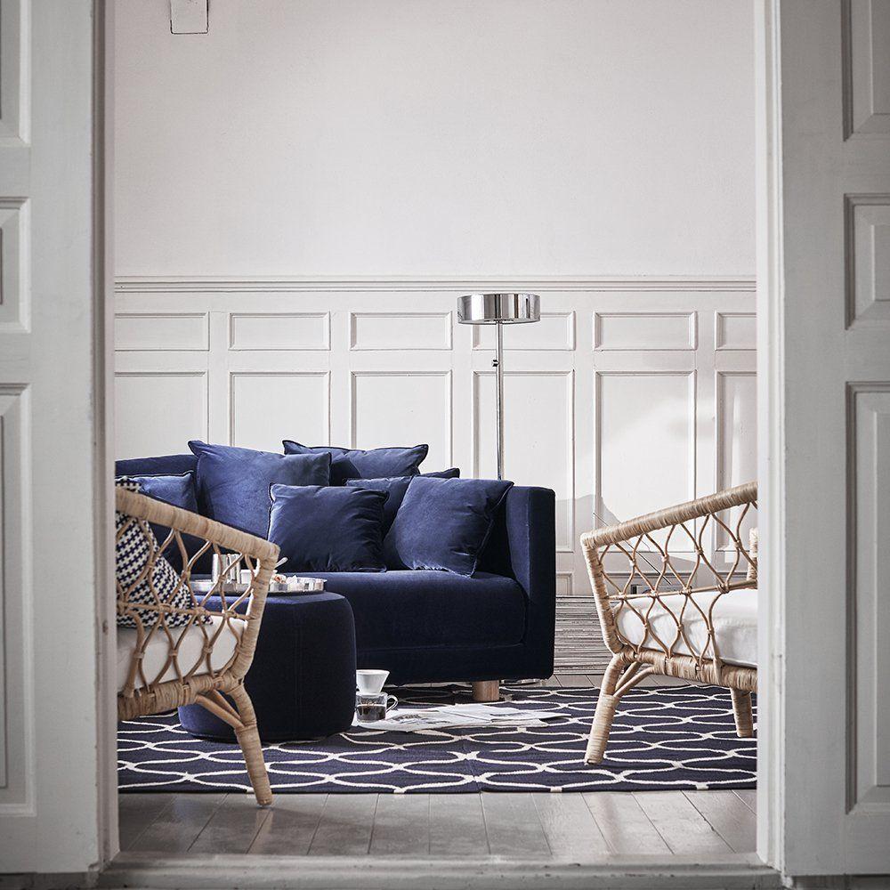 petit canapé bleu en velours stockholm ikea avec des fauteuils en