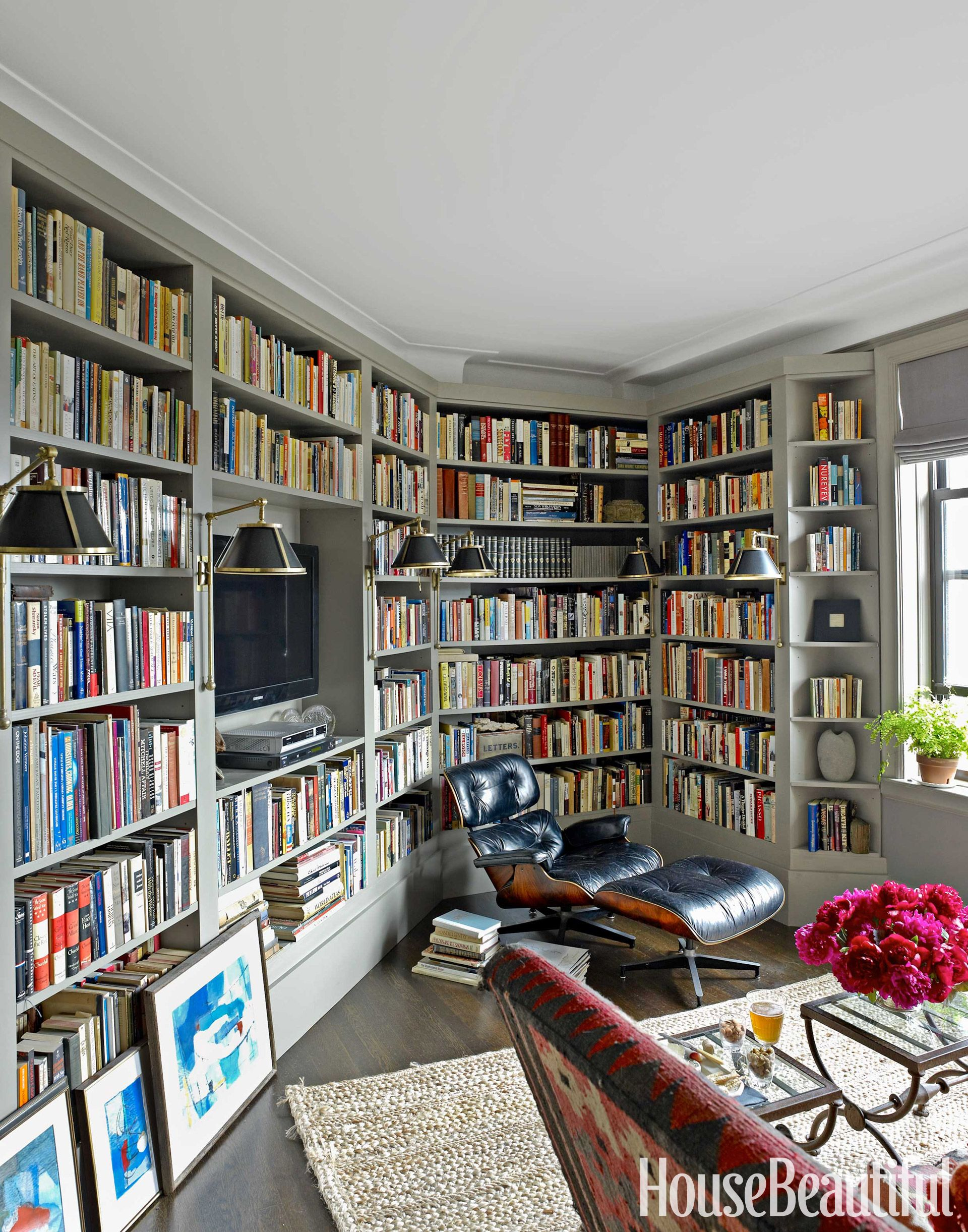 Here Are 12 Stylish Home Libraries for the Fantasy File   Home ...