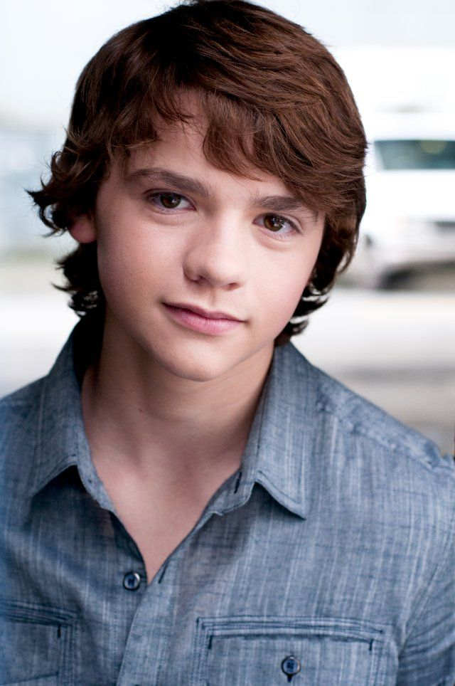 This is kind of how I see Matt Archer at age 14/15  Joel Courtney