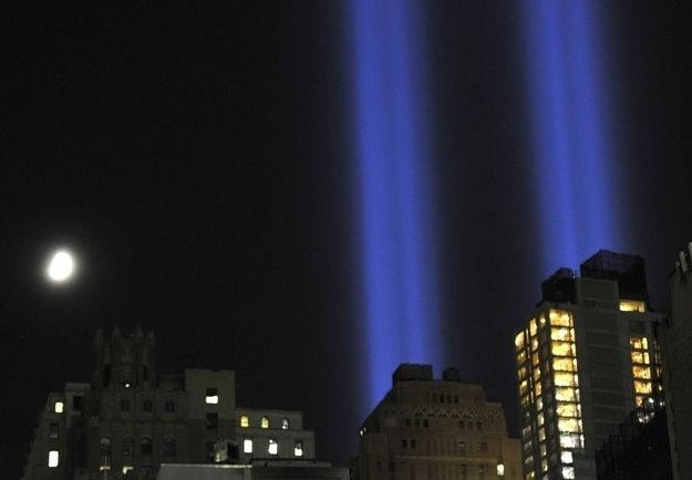 17 Moving Pictures Of The 9/11 Tribute In Light