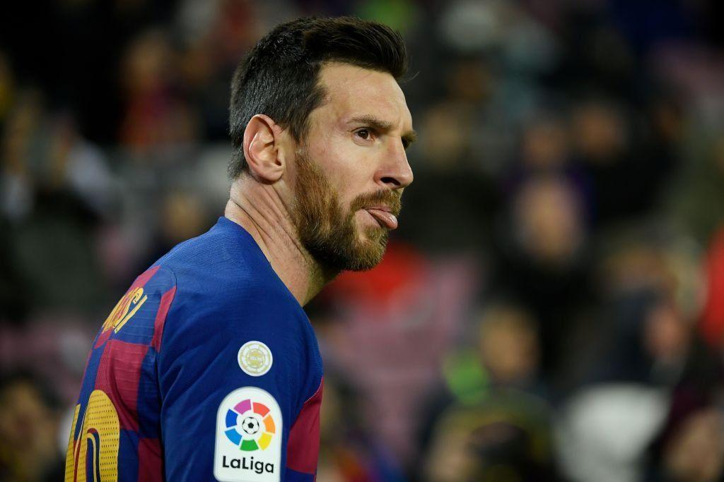 ميسي ي سجل هدف لبرشلونة بعد هجمة رائعة ضد غرناطة سبورت 360 سجل ليونيل ميسي قائد فريق برشلونة الهدف الأول لبرشلونة في مرمى In 2020 Lionel Messi Messi Baseball Cards