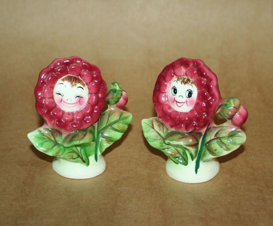 Adorable Vtg Happy Anthropomorphic Flower Salt Pepper Shakers PY Japan