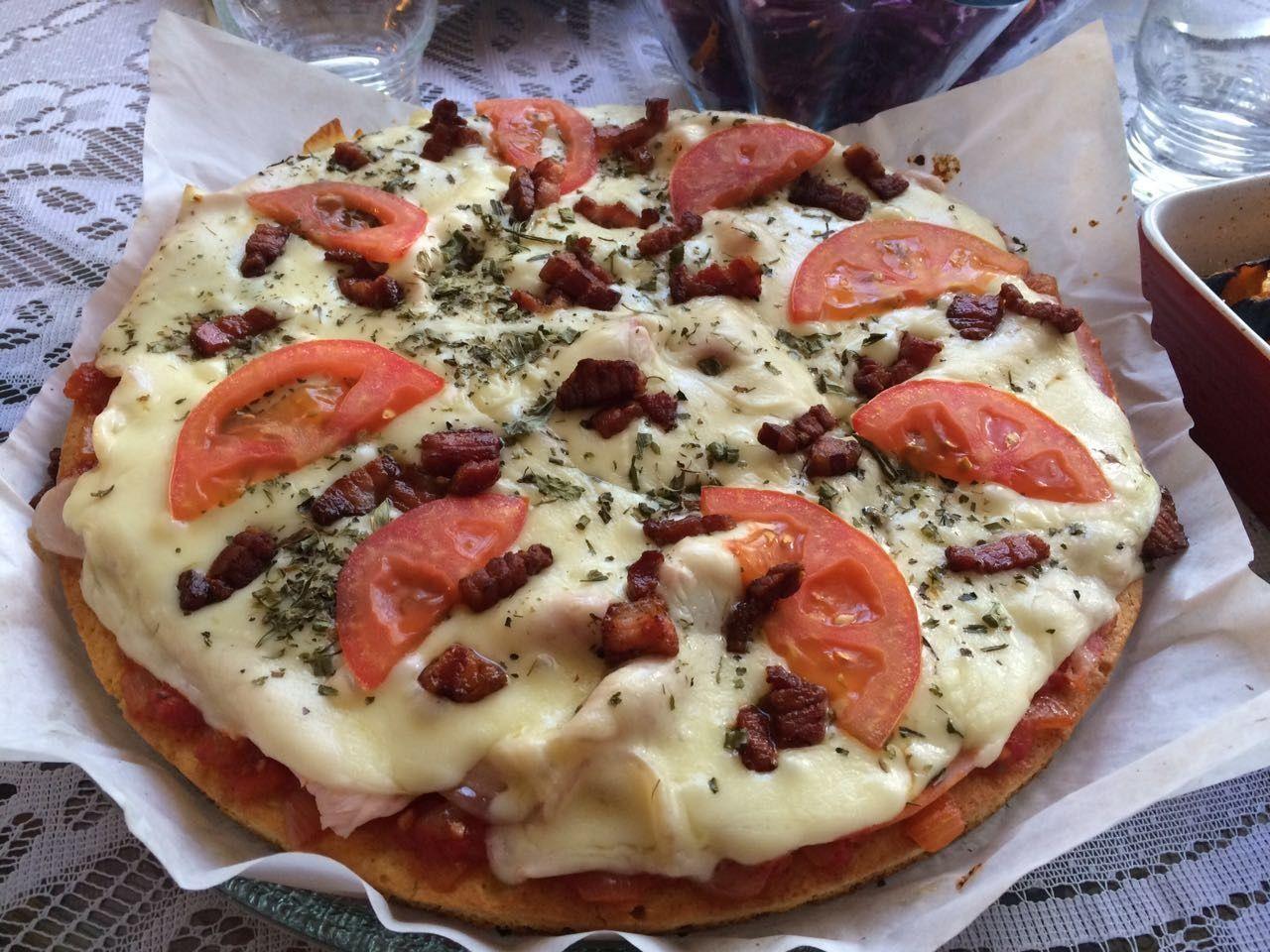 Low carb paleolítico paleo dieta regime emagrecer obesidade atkins proteina carbohidrato glúten celíaco pão amêndoas carnes legumes saladas