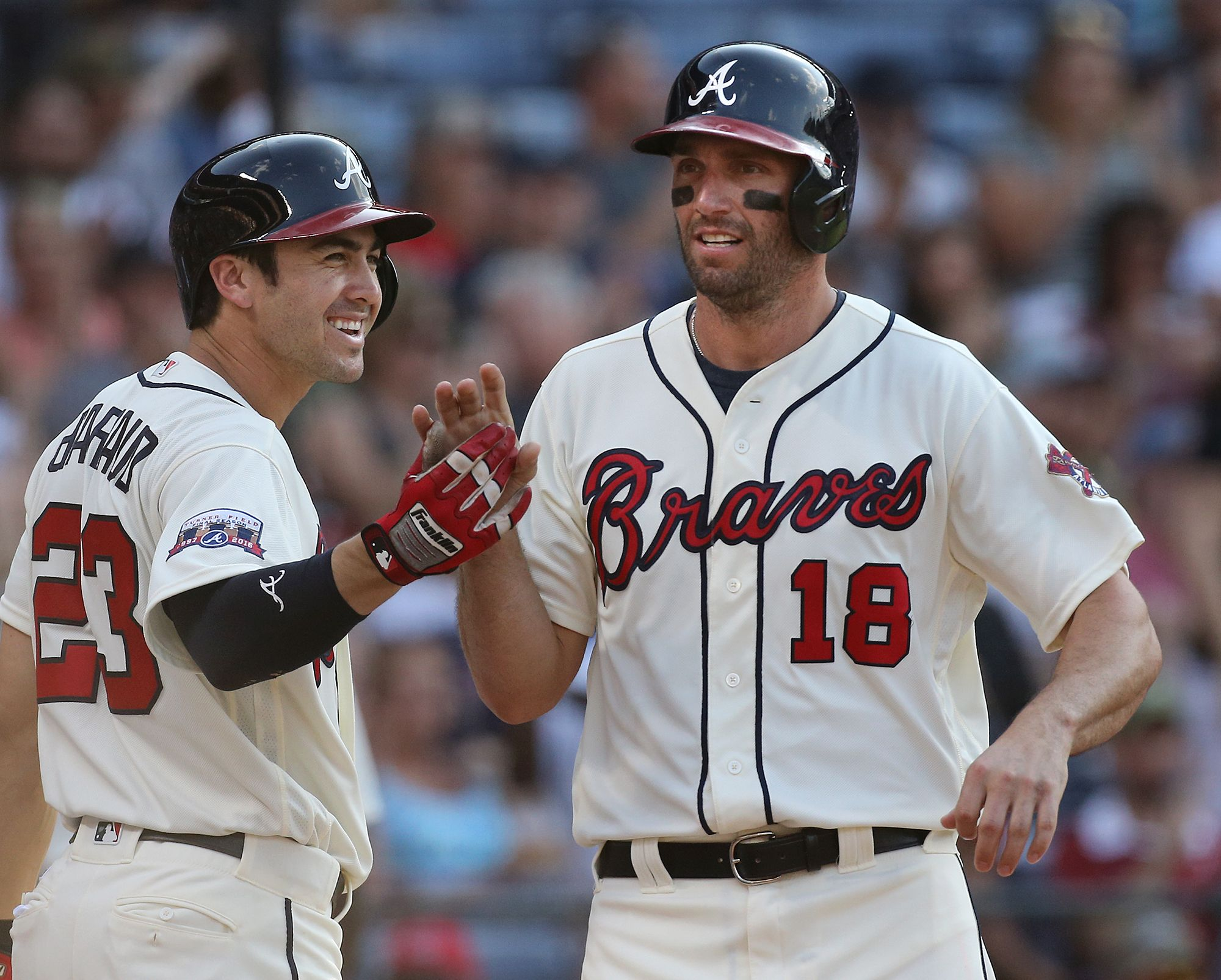 Jeff Francoeur Is Congratulated By Chase D Arnaud After Scoring Against The Marlins On May 29 Curtis Compton Ccompton Ajc Com Sports Jersey Braves Compton