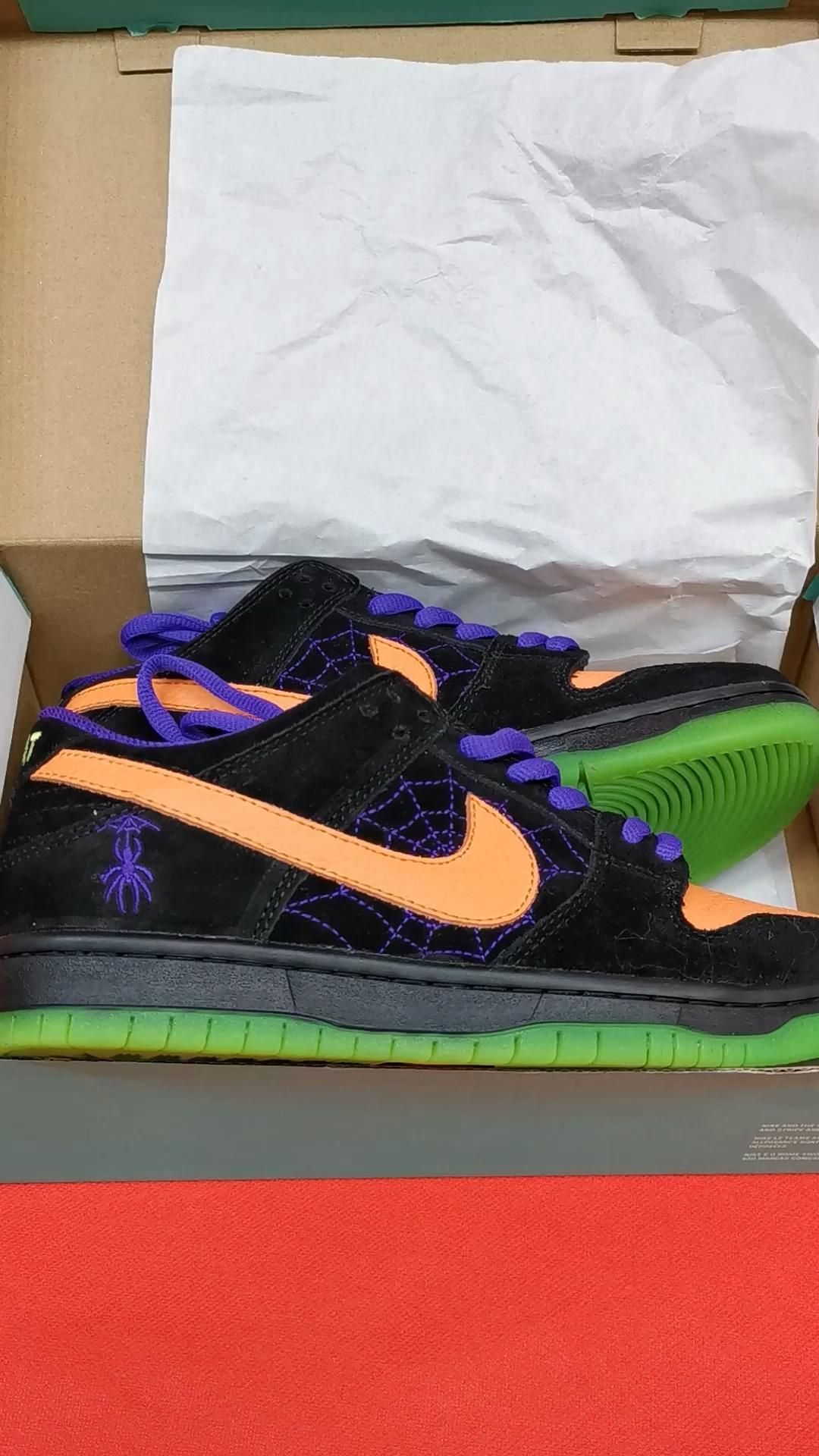 The Best Original Dunk Low Sb Night Of Mischief At Online Shop Video Video In 2020 Nike Nike Shoes Nike Air Max