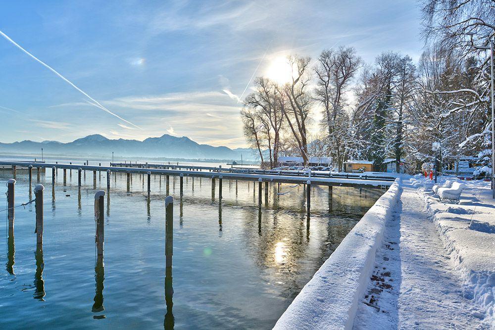 Winterlicher Hafen Vom Yachthotel Chiemsee In Prien Winter Am