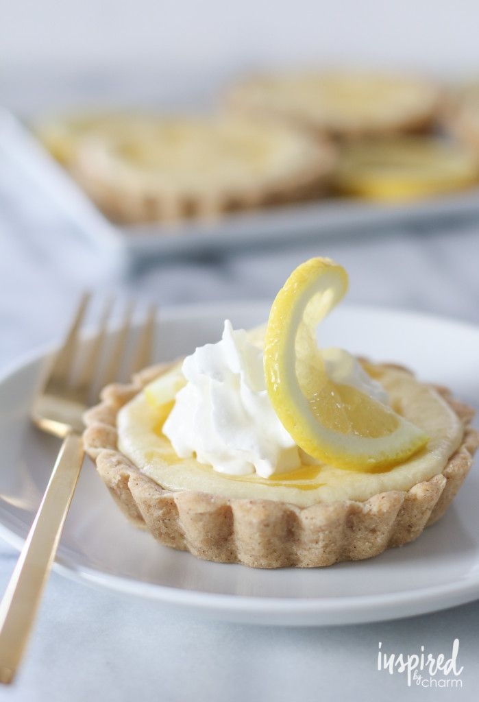 Lemon Curd Cheesecake Tarts