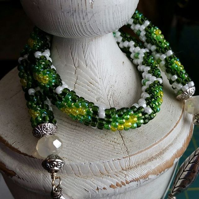 We on Facebook: http://ift.tt/2jRHDjd Beautiful Beaded Jewelry #underbeads by @underbeads Check our #AmazingPhoto WEBSTA: A few of my pretties