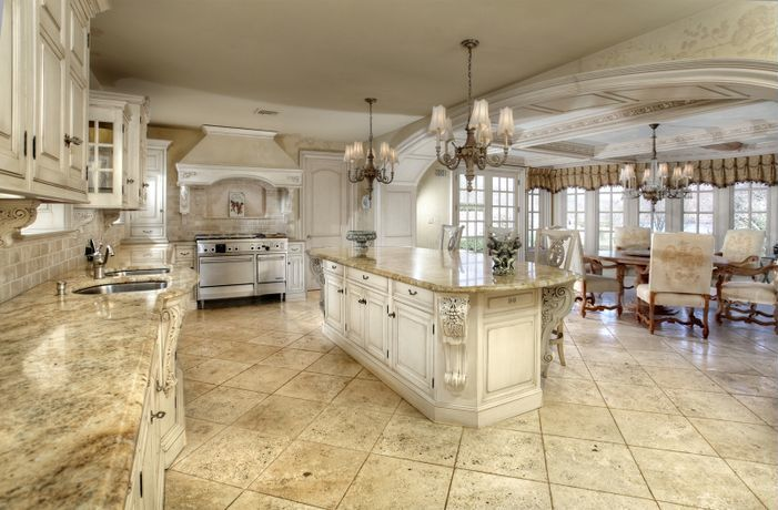 luxury kitchen /// super-size; I wouldn\'t want to mop ! | Kitchen ...