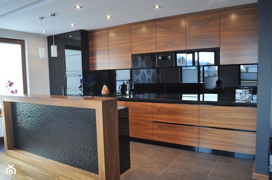 Mieszkanie W Krakowie Srednia Otwarta Szara Kuchnia Jednorzedowa Z Wyspa Styl Nowoczesny Zd Kitchen Room Design Kitchen Design Decor Modern Kitchen Design