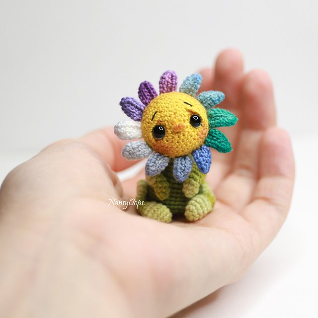 Cutest Crochet Amigurumi Flower With Lovely Little Face - Knit And Crochet Daily