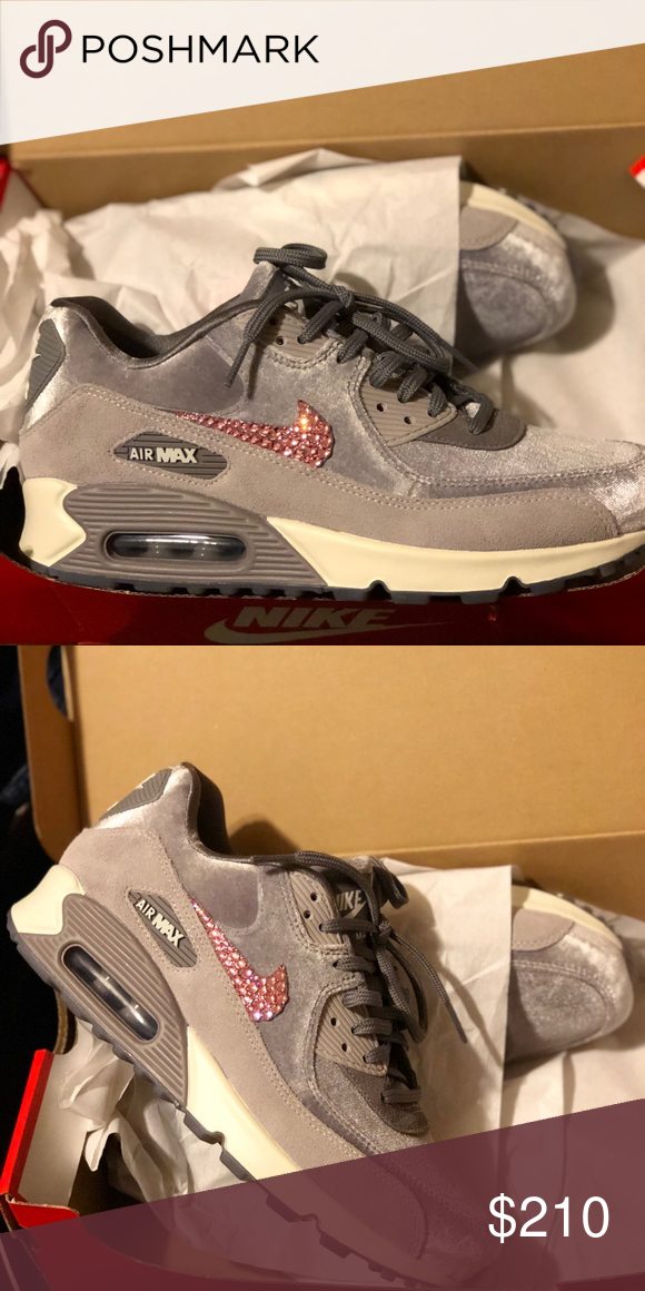 Limited Edition Velvet Air Max 90 Pink Swarovski These Are One Of A Kind Limited Edition Woman S Velvet Swarovski Cry Pink Swarovski Air Max 90 Nike Air Max 90