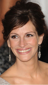 Julia Roberts Wearing Cathy Waterman Platinum Diamond Earrings