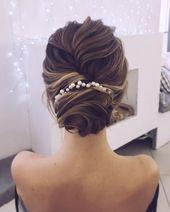 Auf der Suche nach einer wunderschönen Hochzeitsfrisur? klassischer Chignon, st...  Auf der Suche nach einer wunderschönen Hochzeitsfrisur? klassischer Chignon, strukturierte Hochsteckfrisur oder ... - #frisuren    This image has get 0 repins.    Author: Emily Mayr blog #AUF #Chignon #der #einer #Hochzeitsfrisur #klassischer #nach #Suche #WUNDERSCHÖNEN #weddinghairstylesupdo