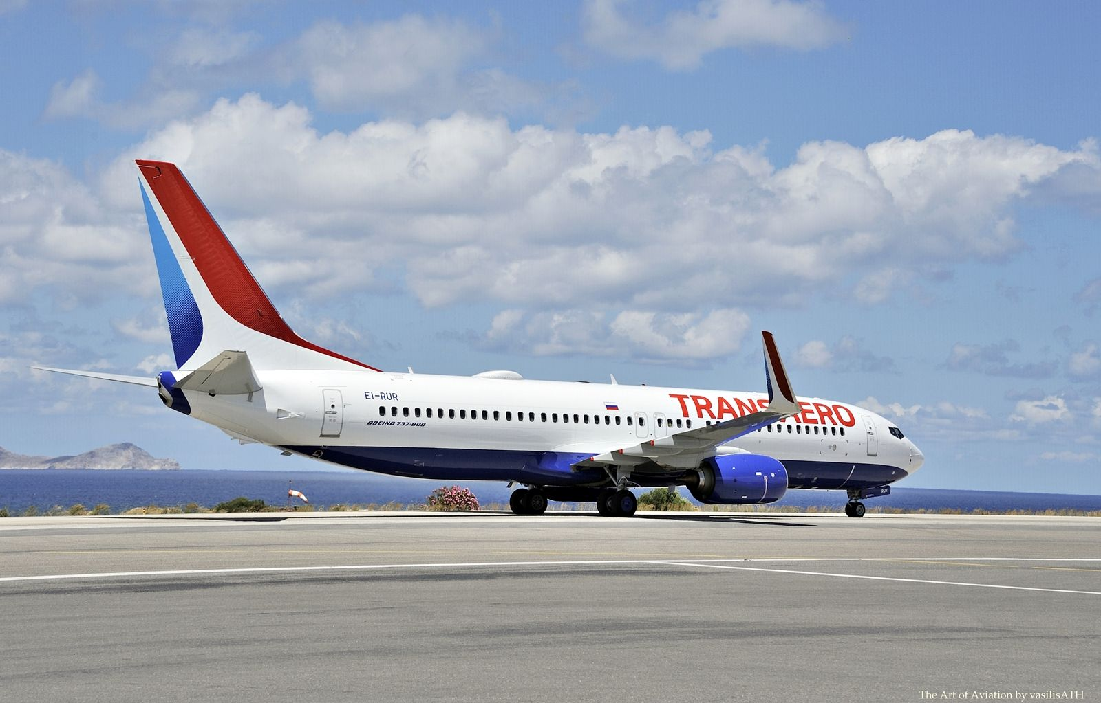 "Transaero Airlines Boeing 737-800 - cn 44435 / 5351 EI-RUR First Flight Mar 2015 Age 0.6 Years Test registration N1782B Heraklion International Airport, ""Nikos Kazantzakis"" (IATA: HER, ICAO: LGIR)"