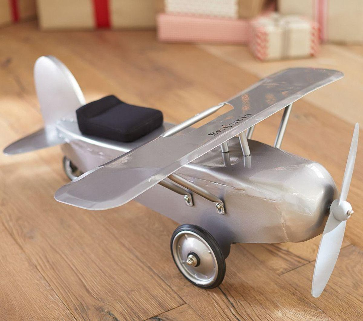 Give Your First Officer A Sweet And Sleek Little Aircraft