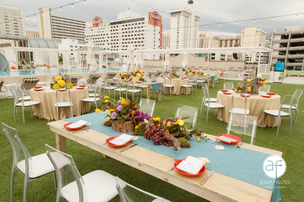 Wipa las vegas at the downtown grand vegas wedding venues and rooftop wedding venue in las vegas picnic at the downtown grand junglespirit Image collections