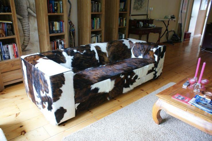 Interieurfoto s tip koeienbank banken met koeienhuid