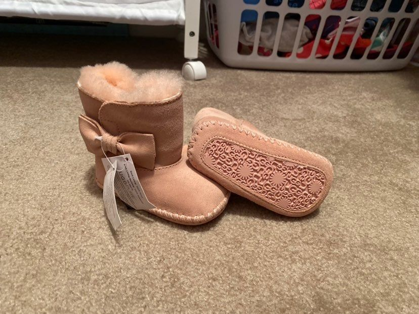 Pink uggs, Baby uggs
