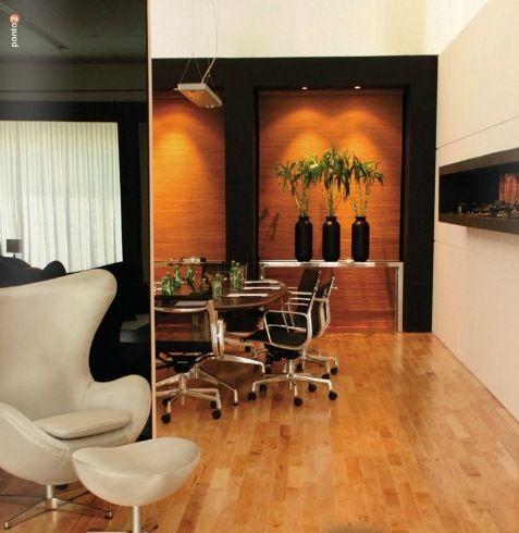lareira, nicho embutido na parede, iluminação, vasos