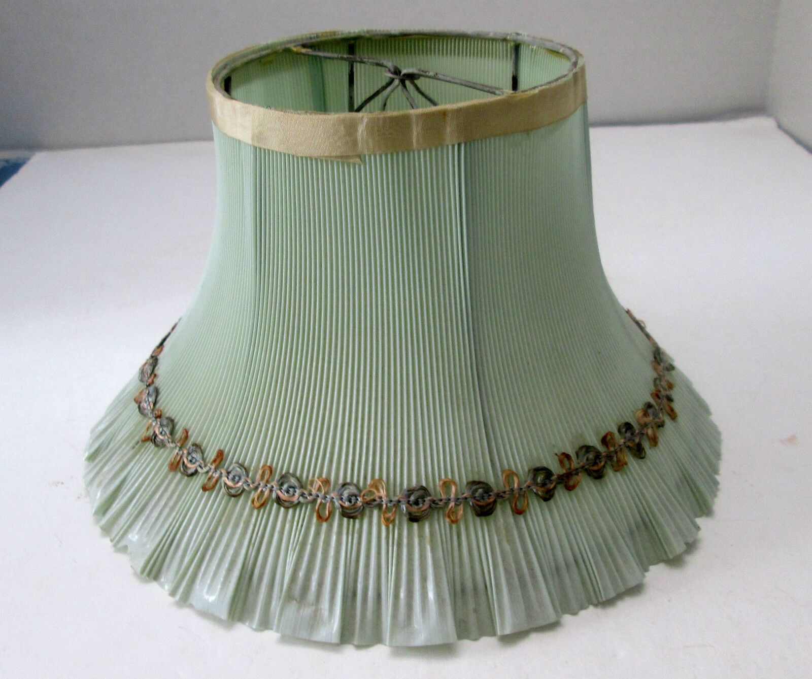 Vintage 1930s Mint Green Pleated Celluloid Clip On Lamp Shade Ebay