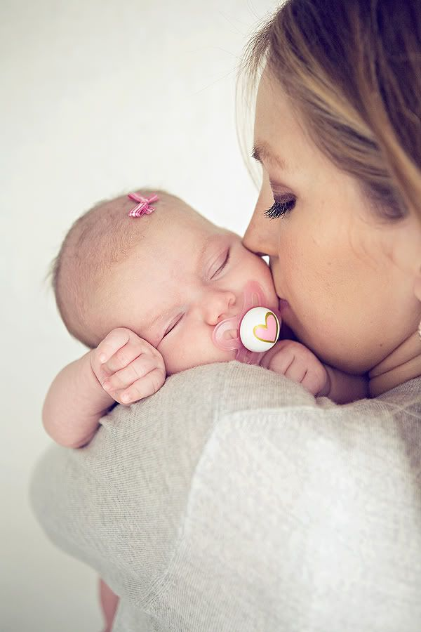 Momma And Baby This Makes My Heart Just Absolutely Melt I Can T Wait Mutter Baby Fotografie Foto Baby Babyfotografie