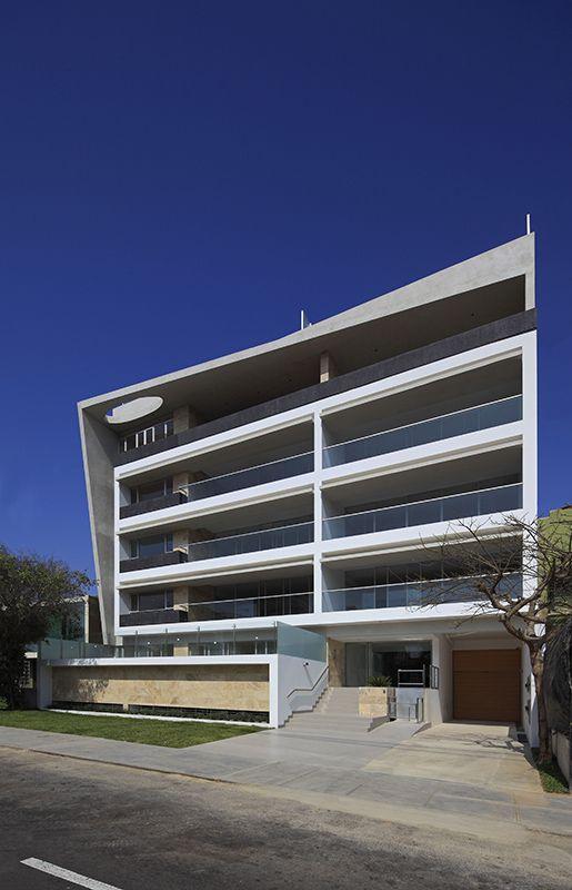 Edificio multifamiliar los casta os lima peru v rtice for Fotos de casas modernas en lima peru