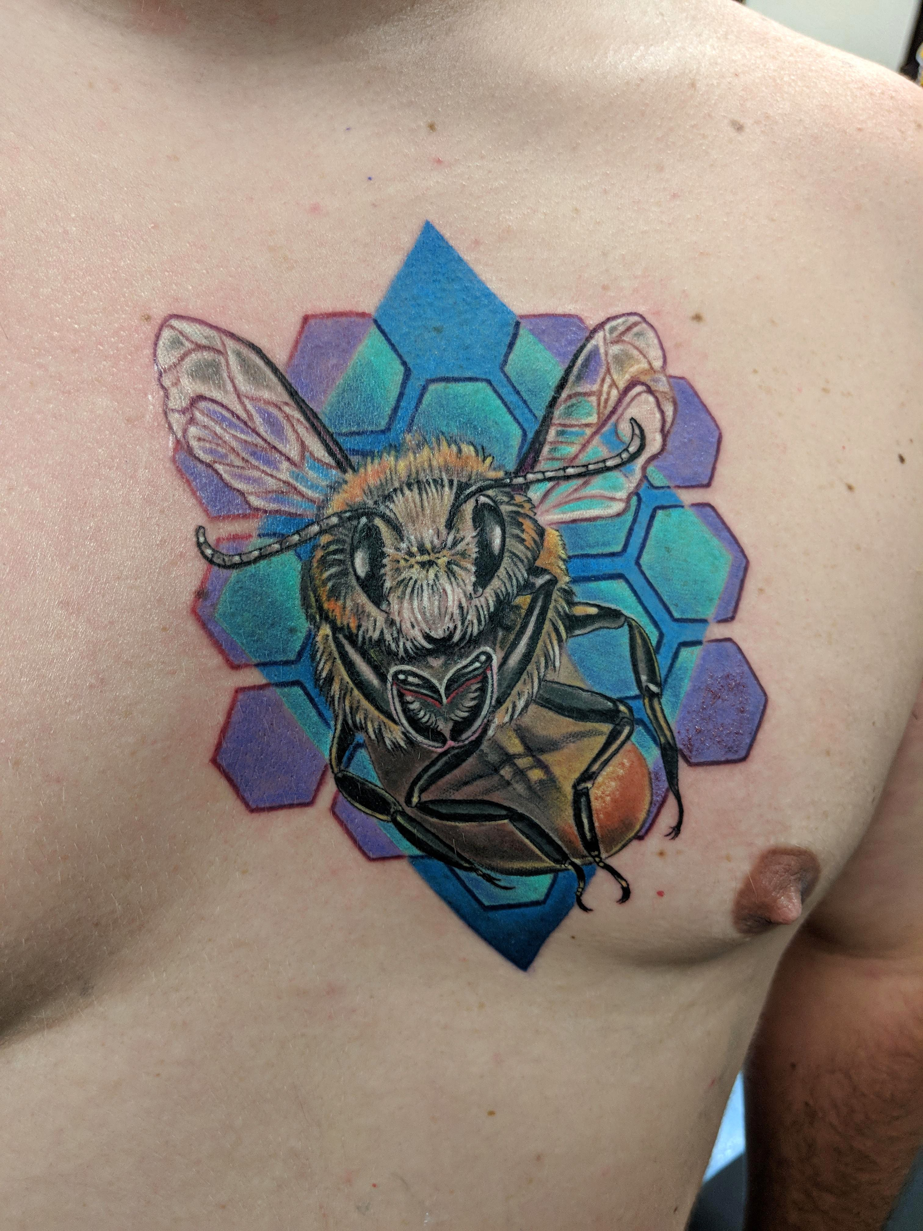 Honey Bee By Renee Little Guest Spot At NiteOwl Tattoo Tampa Evamigtattoos