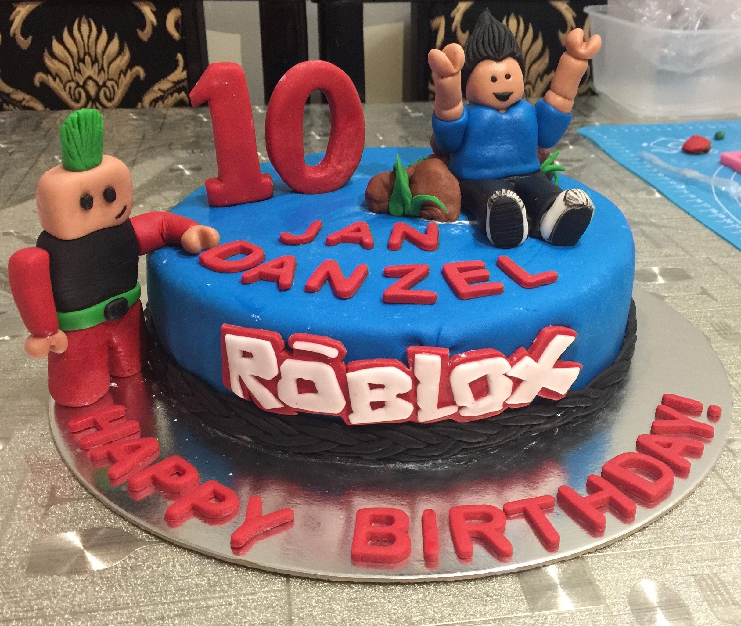 Roblox Themed Cake Roblox Birthday Cake Roblox Cake Cupcake