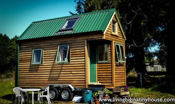 New Zealand Woman Lives Simply in 121 Sq. Ft. Tiny House